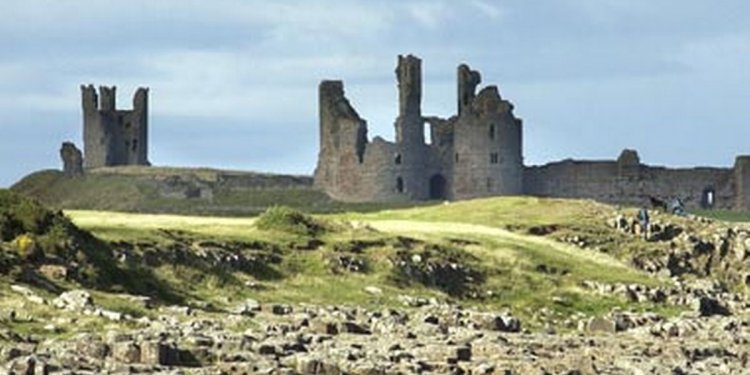 10 stunning castles you can