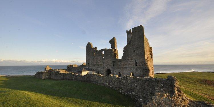 DSC1531 Dunstanburgh Castle