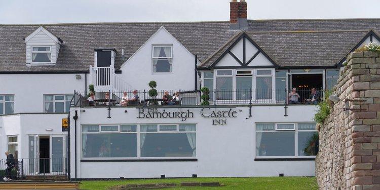 File:Seahouses MMB 05 Bamburgh