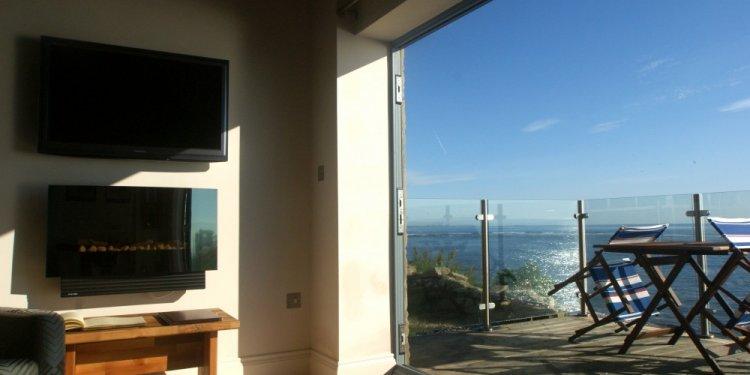 Lounge/Balcony Bank Top