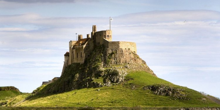 How to get to Holy Island?